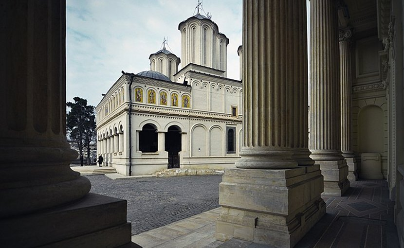 Romanian Orthodox Patriarchal Cathedral in Bucharest, Romania. Photo by fusion-of-horizons, Wikipedia Commons,