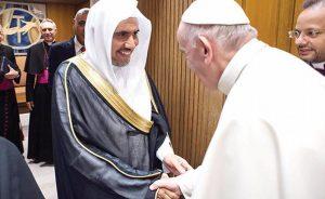 Pope Francis receives Dr. Mohammed bin Abdulkarim Al-Issa, secretary-general of the Muslim World League (MWL). Photo Credit: Arab News.