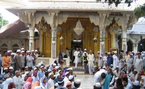 Sufis in India. Photo by Mujeerkhan, Wikipedia Commons.