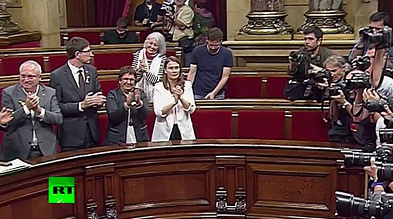 Screenshot of RT media outlet broadcasting the declaration of independence in the Catalan parliament. Video: RT
