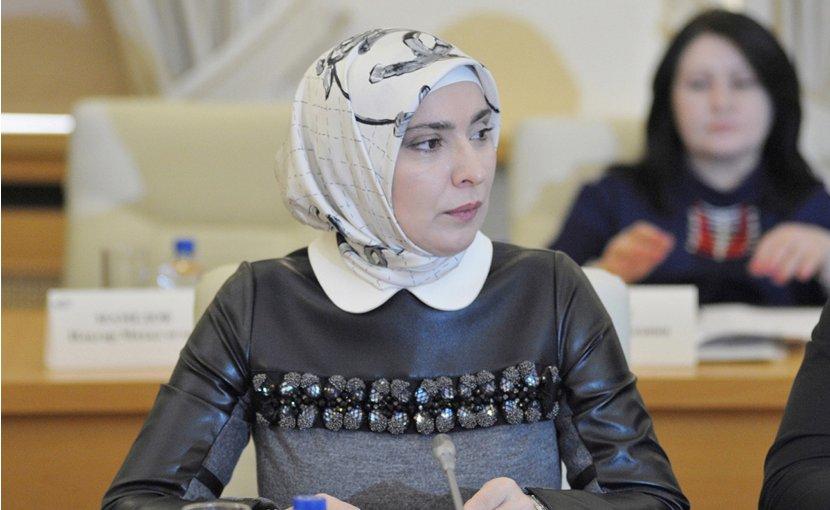 Ayna Zairbekovna Gamzatova. Source: Wikimedia Commons.