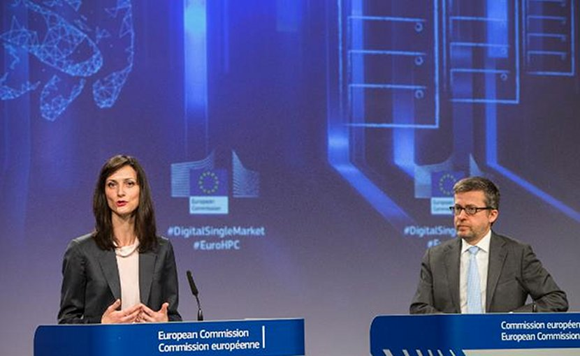 Carlos Moedas, Member of the EC in charge of Research, Science and Innovation and Mariya Gabriel, Member of the EC in charge of Digital Economy and Society. Photo Credit: European Commission.