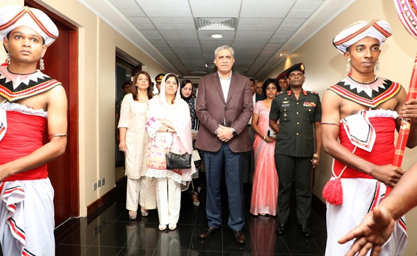 Chief of Army Staff of the Pakistan Army (COAS), General Qamar Javed Bajwa arrives in Sri Lanka. Photo Credit: Sri Lanka government.
