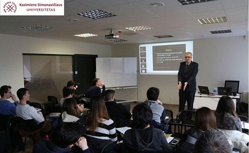 Dr. Sabahudin Hadzialic in a classroom.