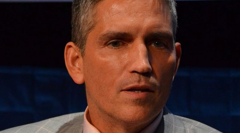 Jim Caviezel. Photo by Genevieve, Wikimedia Commons.