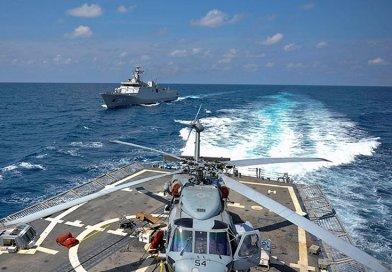 The Indonesian navy Sigma-class corvette KRI Sultan Iskandar Muda (SIM 367), left, is underway alongside the guided-missile frigate USS Vandergrift (FFG 48). (U.S. Navy photo by Mass Communication Specialist 3rd Class Gregory A. Harden II/Released)