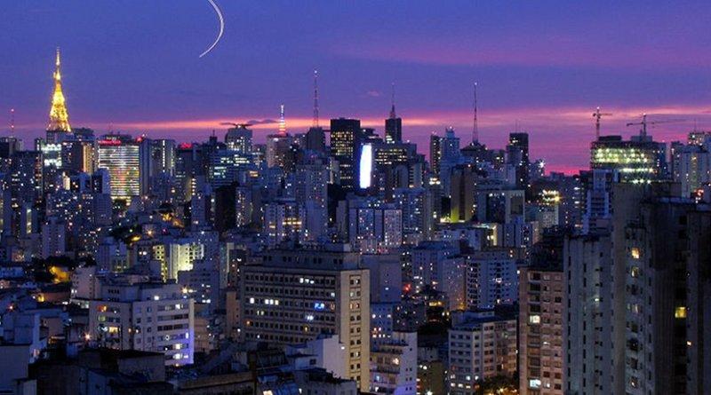 São Paulo, Brazil. Photo by Júlio Boaro, Wikipedia Commons.