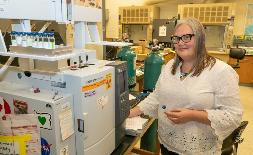UC geology professor Amy Townsend-Small uses gas chromatography to study water samples taken from groundwater wells in Ohio. Credit Jay Yocis/UC Creative Services
