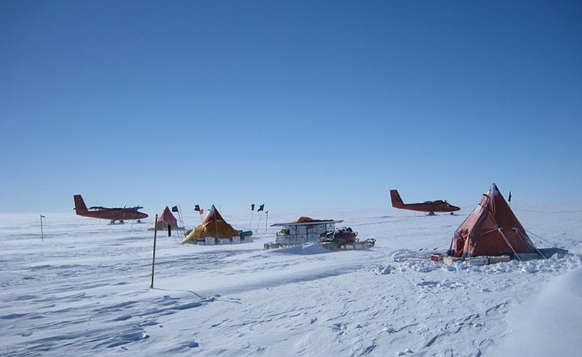British Antarctic Survey fieldcamp on Pine Island Glacier in Antactica. Photo Credit: Polargeo, Wikipedia Commons.