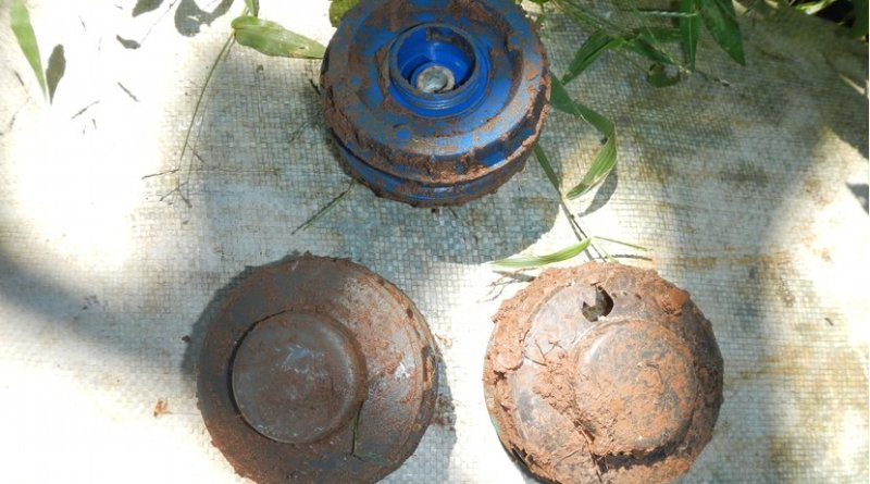 his is a photo of Jony 99 also known as Rangan 99 Anti personal mine used in Sri Lanka. Photo Credit: உமாபதி, Wikimedia Commons