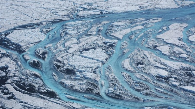 Large rivers form on the surface of Greenland each summer, rapidly moving meltwater from the ice sheet to the ocean. Credit Sarah Das, Woods Hole Oceanographic Institution