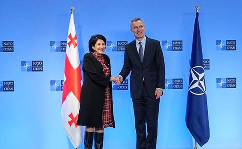 NATO Secretary General Jens Stoltenberg welcoming the President of Georgia, Salome Zourabichvili. Photo: NATO