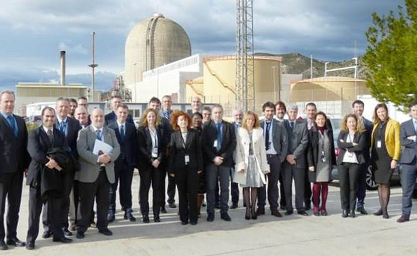 The IAEA team with plant management at Vandellós 2 (Image: ANAV)