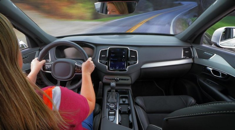 Many newer cars feature integrated hands-free interfaces for phone calls, navigational use, and other tasks, allowing drivers to keep both hands on the wheel and stay focused on driving. Credit Virginia Tech Transportation Institute