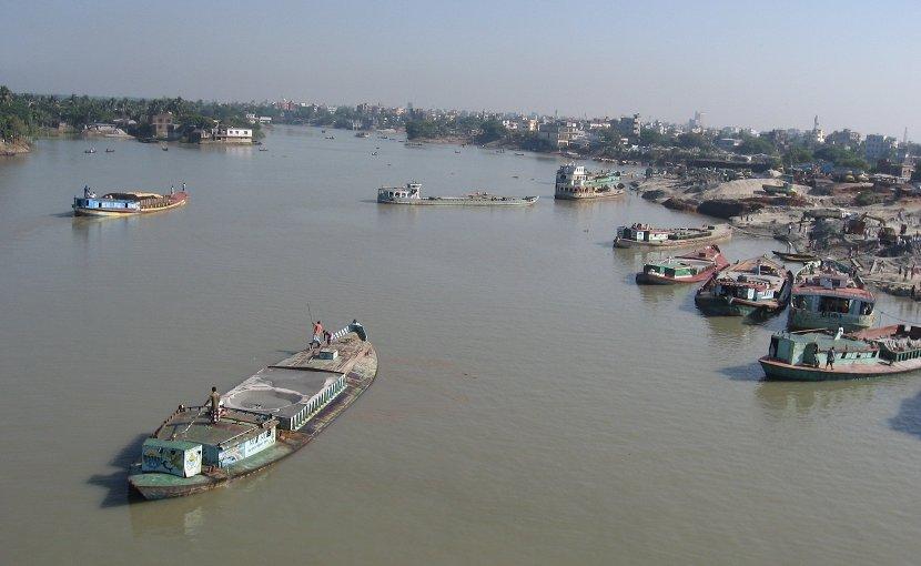 Turag River at Aminbazar-Gabtoli, Dhaka, Bangladesh. Photo Credit: P.K.Niyogi, Wikipedia Commons.