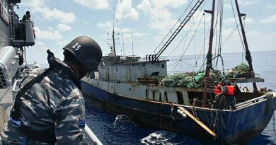 File photo of Indonesian troops capturing a Chinese fishing boat in the Natuna Sea. Photo Credit: Indonesian Navy