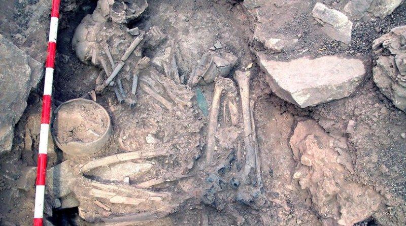 A man and woman buried side by side at the Bronze Age site of Castillejo de Bonete in Spain had different genetic ancestries. Credit Luis Benítez de Lugo Enrich and José Luis Fuentes Sánchez/Oppida