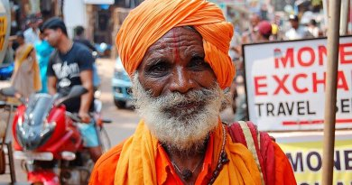 india old man elderly