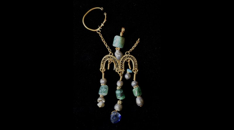 This earpiece, perhaps of Egyptian manufacture, is apparent loot from the First Crusade sack of Jerusalem in July, 1099. Credit Virginia Withers