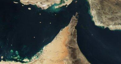 The Strait of Hormuz. Photo Credit: Jacques Descloitres, MODIS Land Rapid Response Team, NASA/GSFC, Wikimedia Commons.