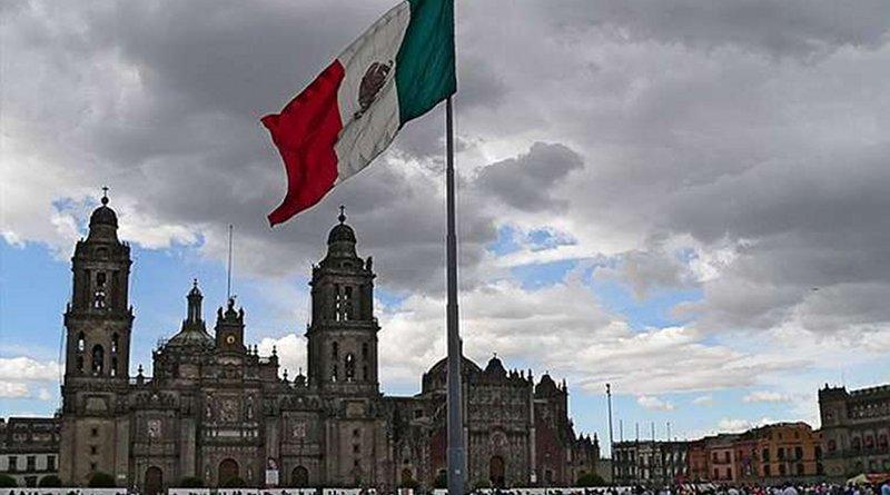Zocalo and the Mexican City Metropolitan Cathedral. Credit: Saul Trabanca via Flickr (CC BY-NC-SA 2.0).