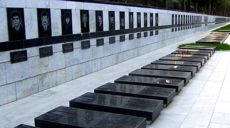 Victims of Black January in Martyrs' Lane, Baku, Azerbaijan. Photo Credit: Baku87, Wikipedia Commons