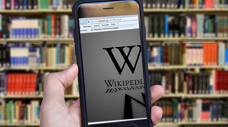 Wikipedia Books Encyclopedia Subjects Hand Iphone