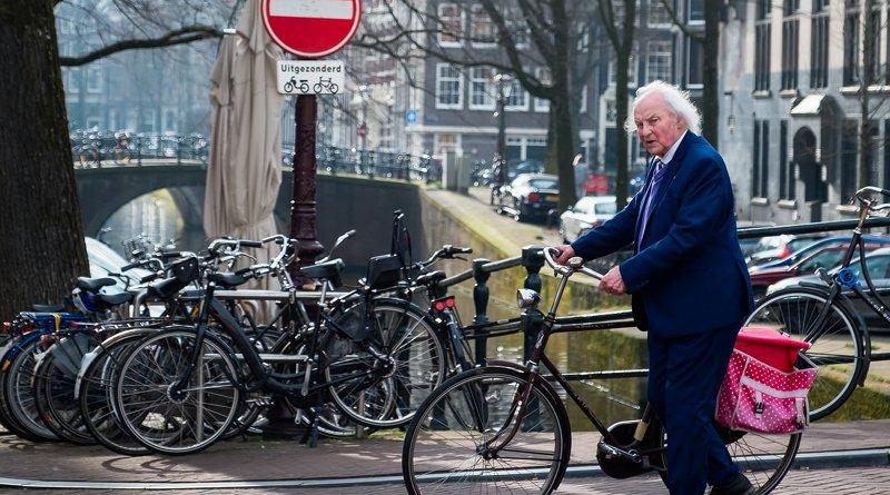 Elderly man in Amsterdam, Netherlands. Photo by Serhat Beyazkaya at Unsplash
