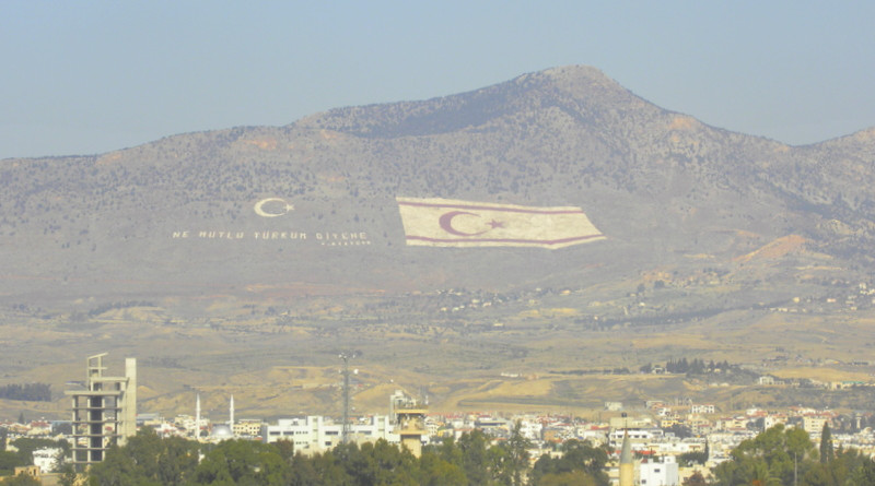 "The Turkish flag and the motto of the Republic of Turkey, ""How happy is the one who says I am a Turk!"" painted in Pentadaktylos/Beşparmak mountains in the occupied area of Cyprus. (Licence: Creative Commons Attribution 2.0 Generic license)"