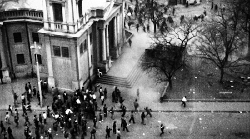 Târgu Mureș during the ethnic clashes (20 March 1990) in Romania. Photo Credit: Kulja, Wikipedia Commons