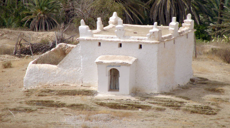 Marabout's tomb, southern Morocco. Photo Credit: Chrumps, Wikimedia Commons