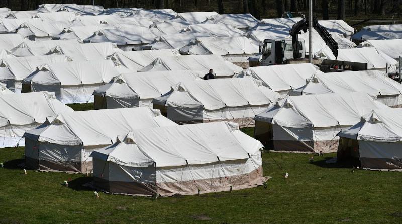 Quarantine tents in military facility in Morovic, Vojvodina, Serbia. Photo: mod.gov.rs