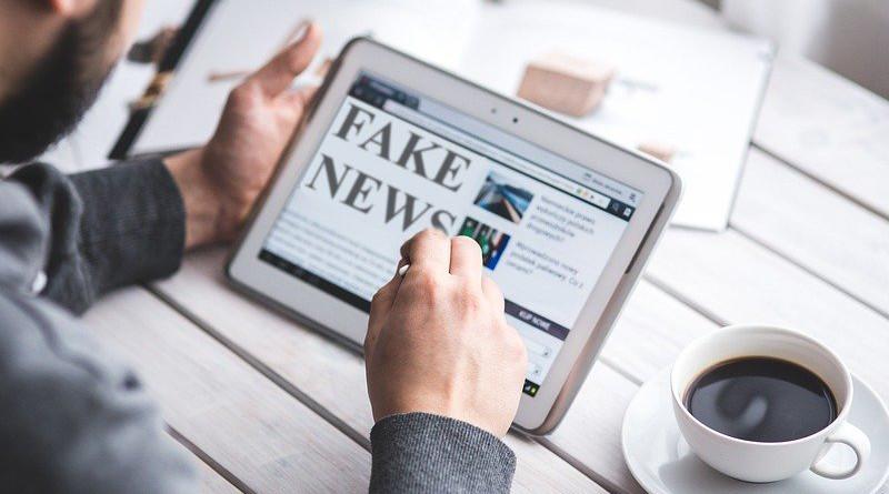 Fake News Hoax Press Computer Reading