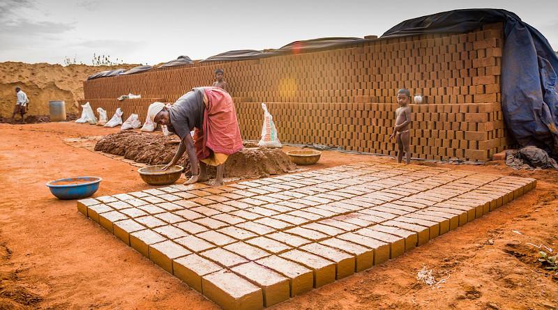 Poverty Hiring Sengal Bricks Salem Tamil Nadu India Labour Labor