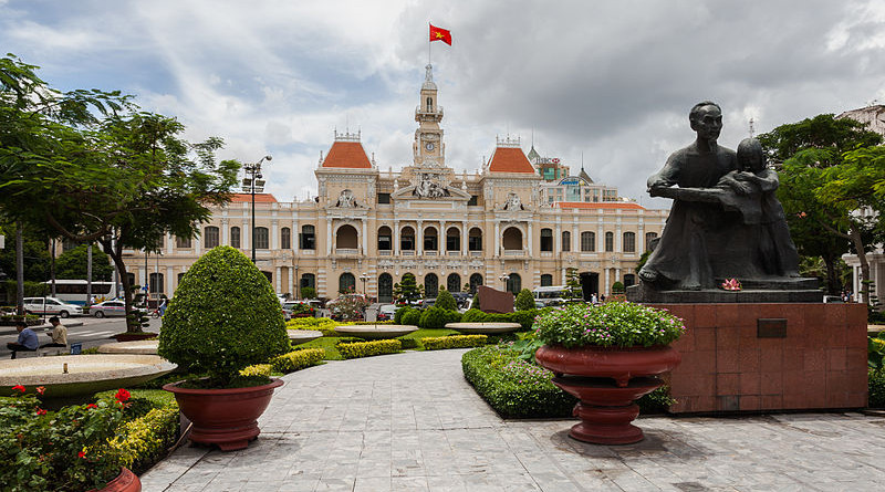 Hồ Chí Minh statue in Vietnam. Photo Credit: Diego Delso, Wikipedia Commons