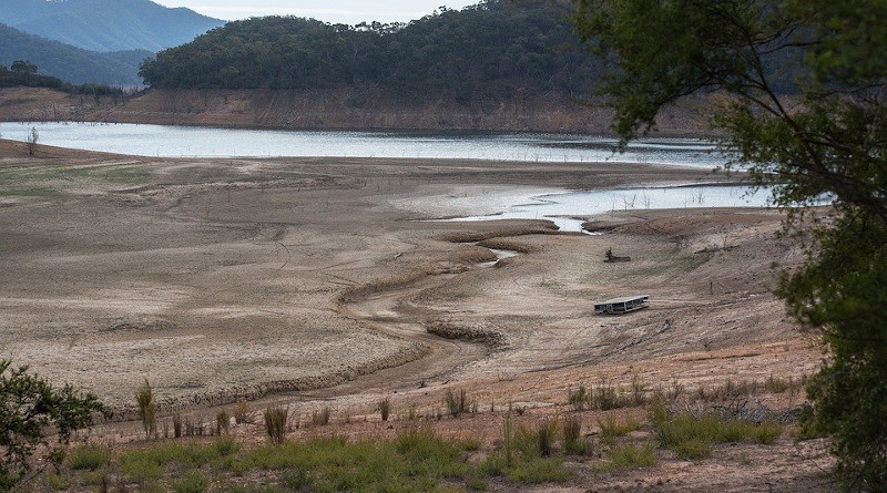 Lake River Drought Barren Irrigation Dry Landscape Nature