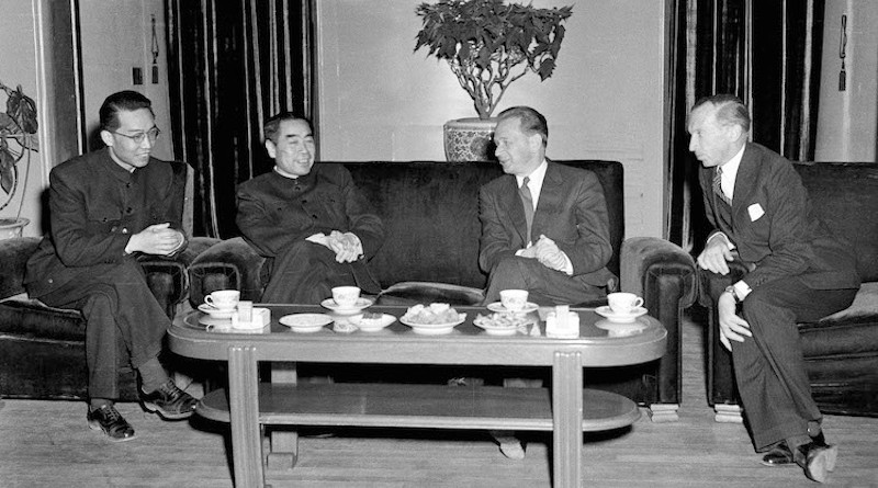 U.S. National Security Adviser Henry Kissinger talking to Chinese Prime Minister Chou En-Lai in July 1971. Source: USC U.S.-China Institute