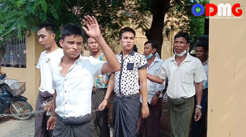 The five men who were beaten by Tatmadaw soldiers after appearing before the Sittwe District Court. Photo Credit: DMG