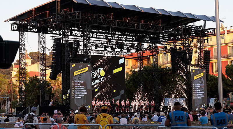 Presentation of the teams in Nice, Place Massena for the 2020 Tour de France. Photo Credit: Martin Mystère, Wikipedia Commons
