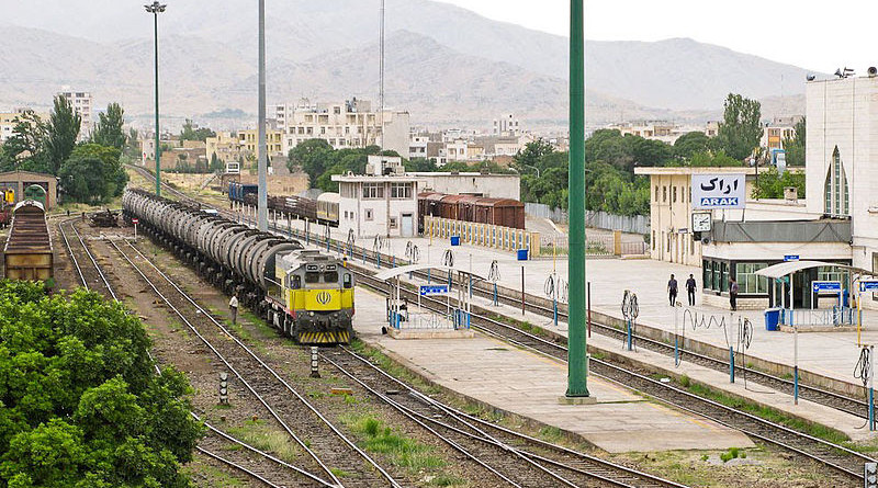 File photo of a fuel train from Imam Khomeini Oil Refinery to Tehran, arriving to Arak Railway Station. Photo Credit: Omid Jafarnezhad, Wikimedia Commons