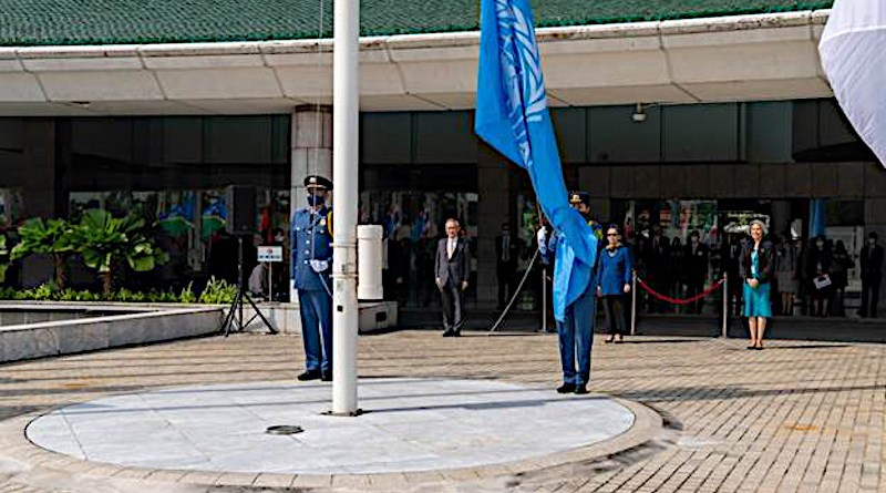 Raising United Nations flag. Photo credit: ESCAP/Suwat Chancharoensuk