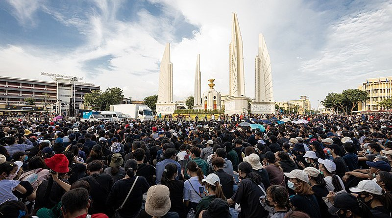 Protestors in Bangkok, Thailand. Photo Credit: Supanut Arunoprayote, Wikipedia Commons