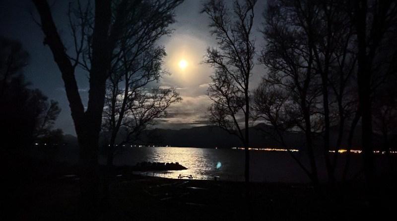 Full moon in Tromsø, Norway. Photo: Maja Sojtaric