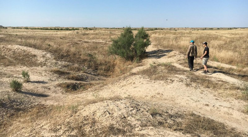 Researchers investigate an abandoned medieval canal, Otrar oasis, Kazakhstan. CREDIT: University of Lincoln