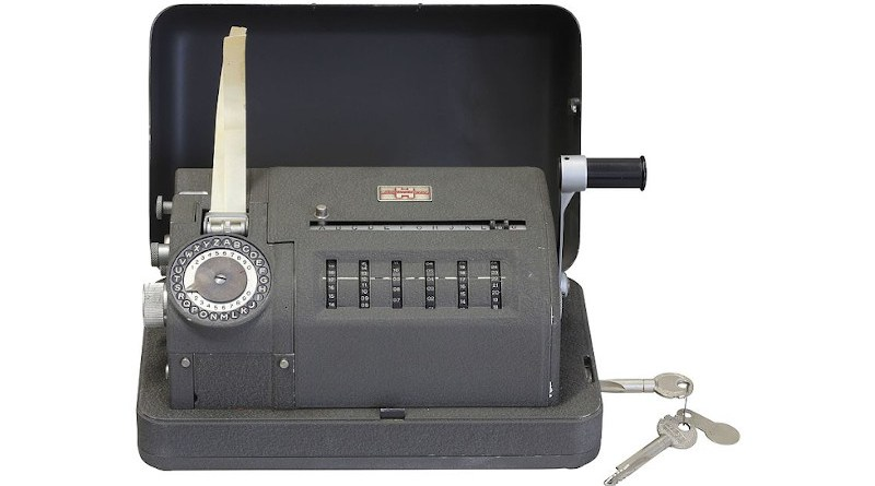 A Crypto AG CX-52 model. Photo Credit: Rama, Wikimedia Commons