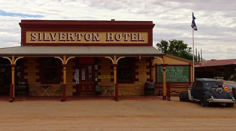 Silverton Hotel by Kalinga Seneviratne   IDN-INPS