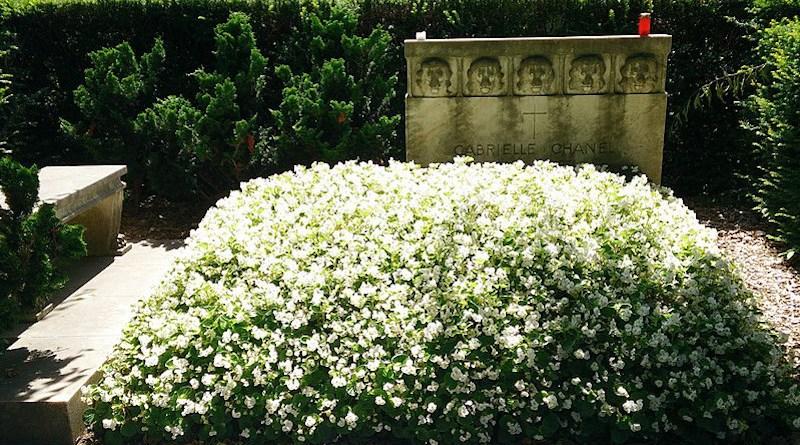 "Grave of Gabrielle ""Coco"" Chanel, Bois-de-Vaux cemetery in Lausanne (Switzerland). Photo Credit: Srousset, Wikimedia Commons."
