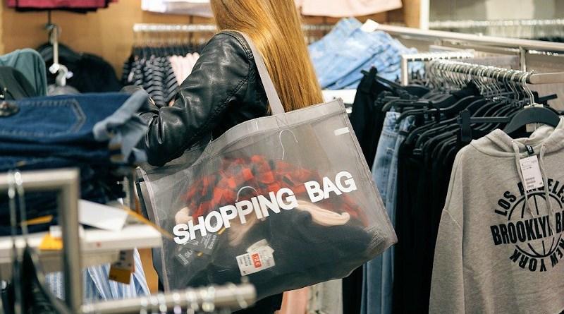 Shopping Fashion Purchasing Bag Sale Woman Shop Bargain