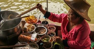 Elderly Asia Women Work Business People Market Restaurant