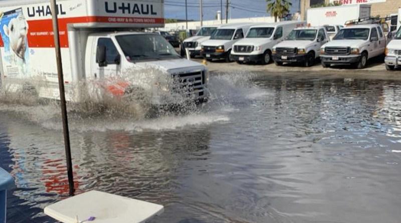 High tide nuisance flooding in Māpunapuna is a hazard to vehicular and pedestrian traffic. CREDIT Trista McKenzie
